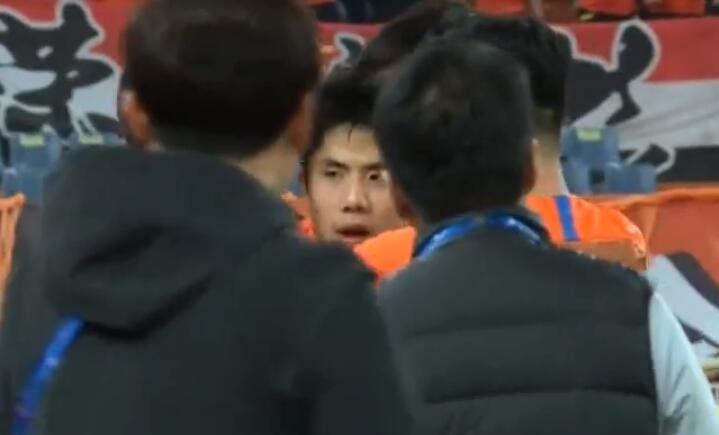 GIF:首次射门就进球!蒿俊闵任意球破门,鲁能1-1庆南