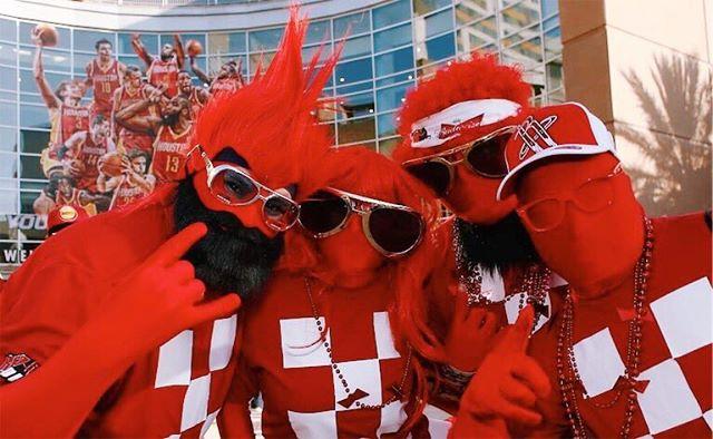 莫雷鼓励火箭球迷:今晚让甲骨文球馆成为红色的海洋吧
