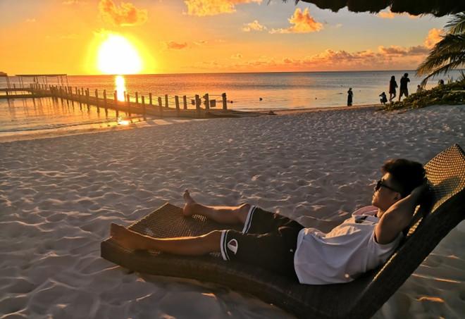 高诗岩赴塞班岛度假感慨:全身心的放松