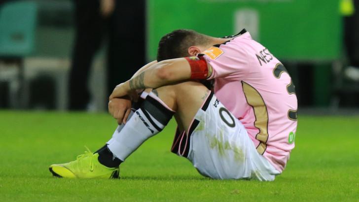 赞帕里尼财务违规,巴勒莫被罚降入意丙联赛