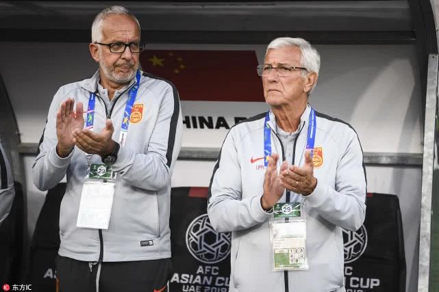 津媒:里皮教练组召入恒大首席球探,郑智或回国足传帮带