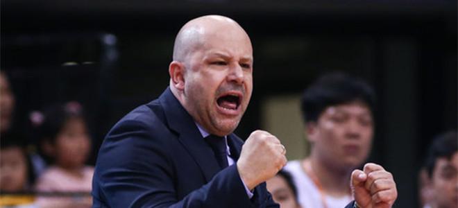 官方:雅尼斯出任中国男篮助理教练
