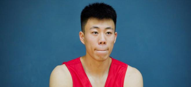 张镇麟:投篮比不过老妈, 和老妈在一起无论何时都很开心