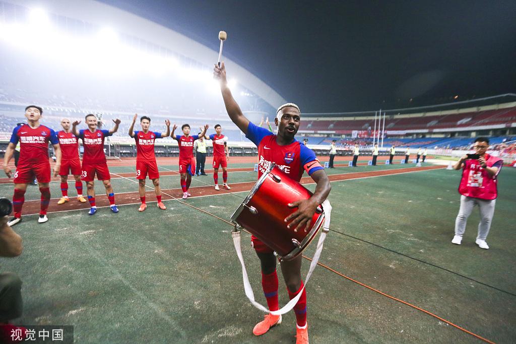 东体:国足有意归化费尔南众,足协已向重庆队传递意向
