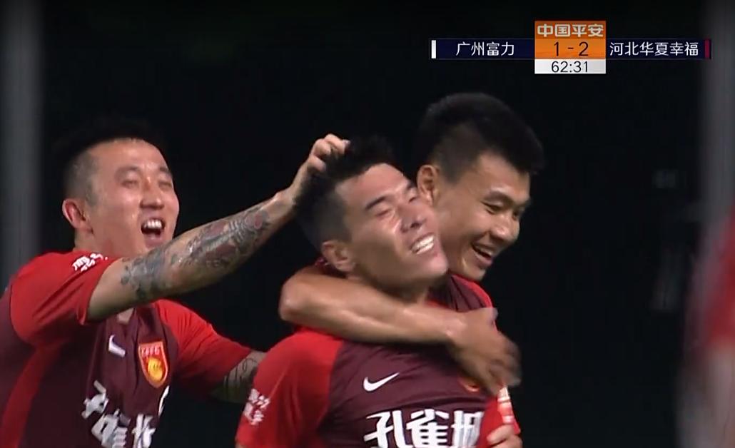 GIF:董学升头球回摆,王秋明跟上凌空抽射进球