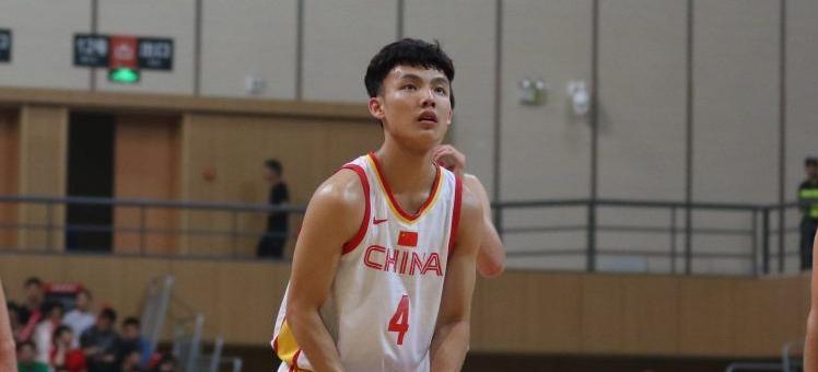 国青男篮主帅:还处于磨合阶段,王泉泽徐杰正在恢复