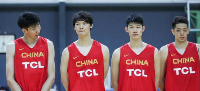 整装待发!中国男篮集训队参加军训