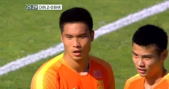 GIF:熟悉的配方!单欢欢头球梅开二度,国奥2-0巴林