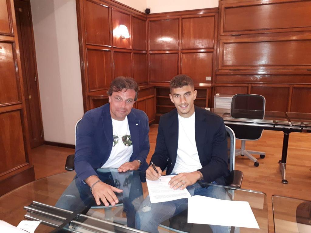 官方:那不勒斯签下恩波利右后卫迪洛伦佐