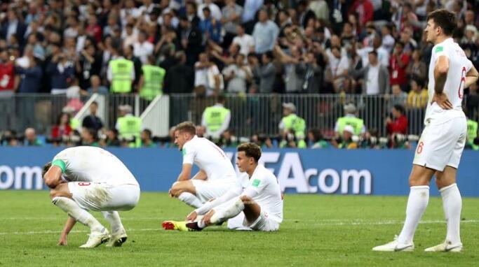 索斯蓋特:這場比賽和世界杯半決賽不同,必須支持球隊