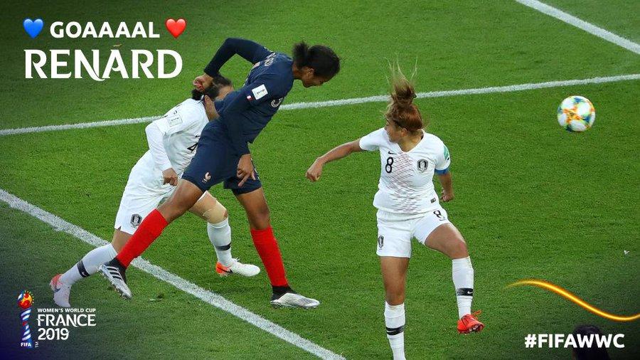 女范戴克?法国中卫女足世界杯揭幕战头球梅开二度