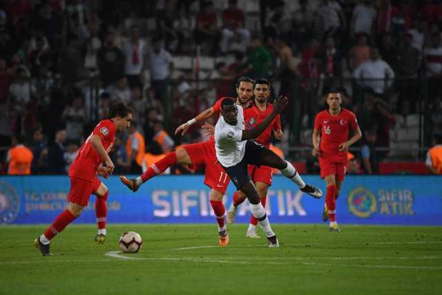 博格巴:记不清法国队上一次踢得那么差是什么时候了