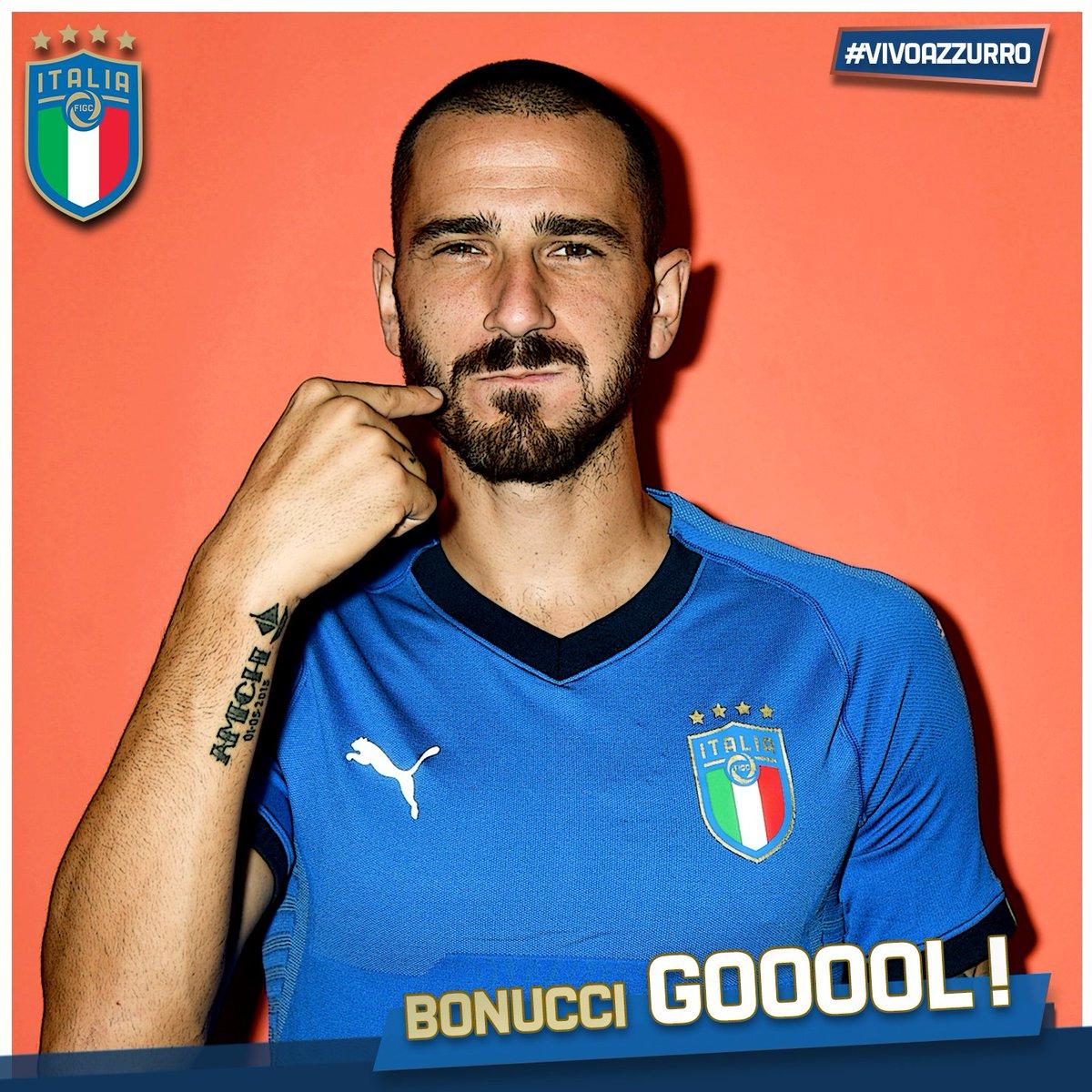 GIF:埃默松助攻博努奇再下一城,意大利三球领先
