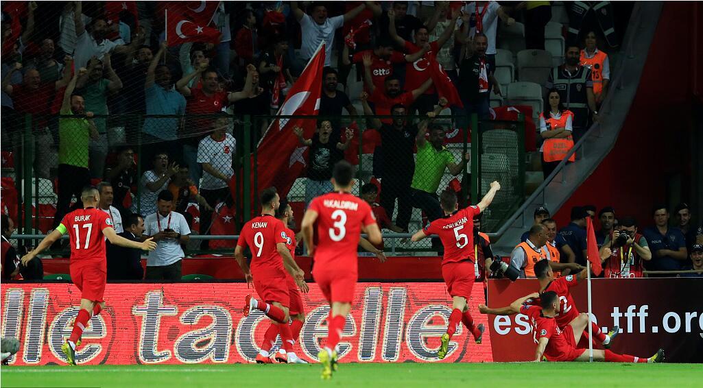 GIF:博格巴失误云代尔破门,土耳其扩大比分