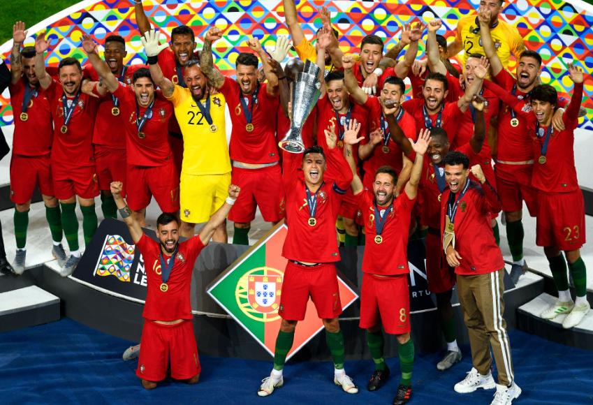 是自 98年法国后, 首支在家门口夺冠的欧洲国家队