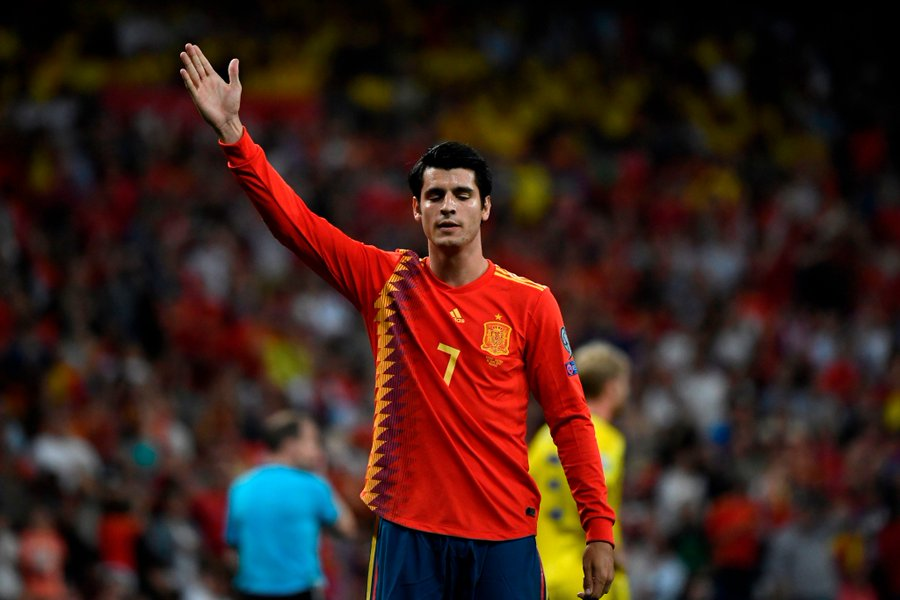 GIF:莫拉塔造点后亲自立罚命中,西班牙2-0瑞典