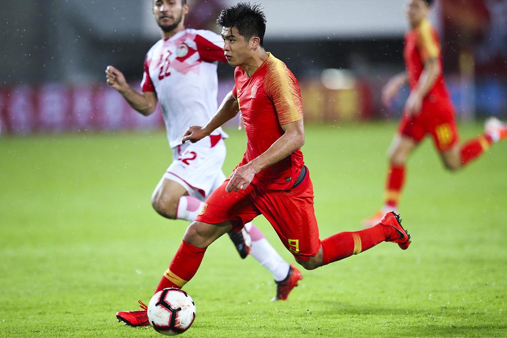 张玉宁:肩伤影响我的射门动作,下一场联赛应该踢不了