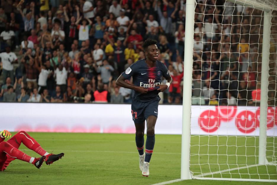 队报:巴黎里尔就维阿转会达成协议,转会费1000万