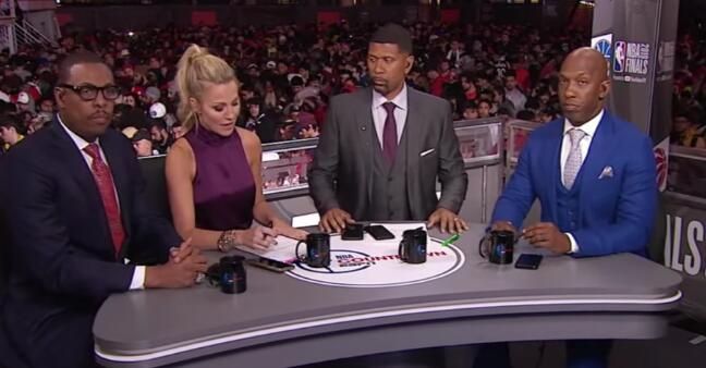 比卢普斯和皮尔斯将离开 NBA.  Countdown节目