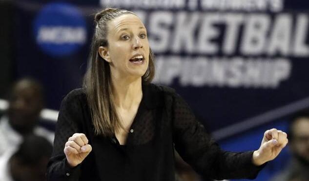 骑士雇佣加利福尼亚大学女篮主帅林赛-戈特利布为助教