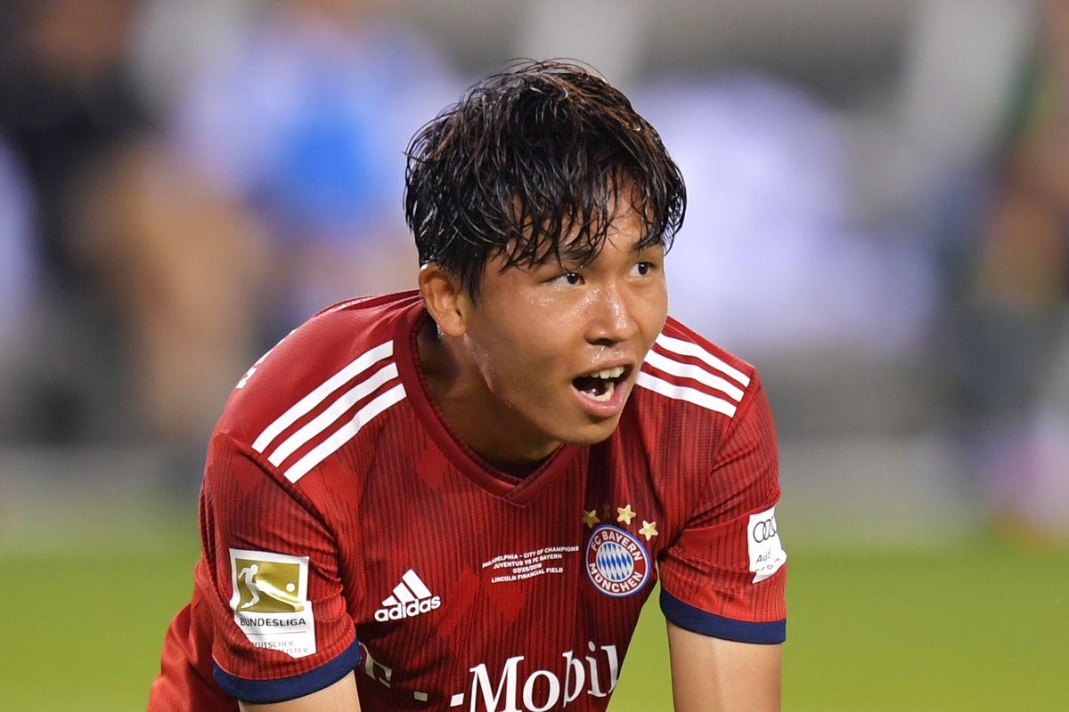 踢球者:弗赖堡签下郑优营仅差体检,拜仁将有回购条款。