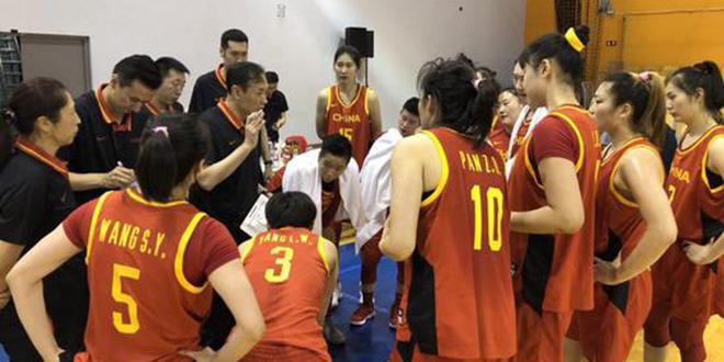 李梦 18分, 中国女篮热身赛逆转乌克兰