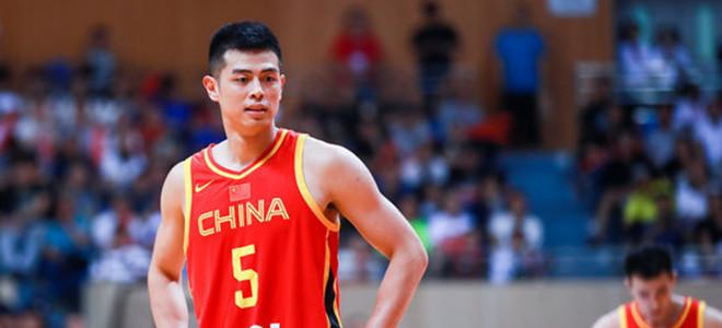 方硕激励队伍:从失败中汲取经验,中国男篮加油