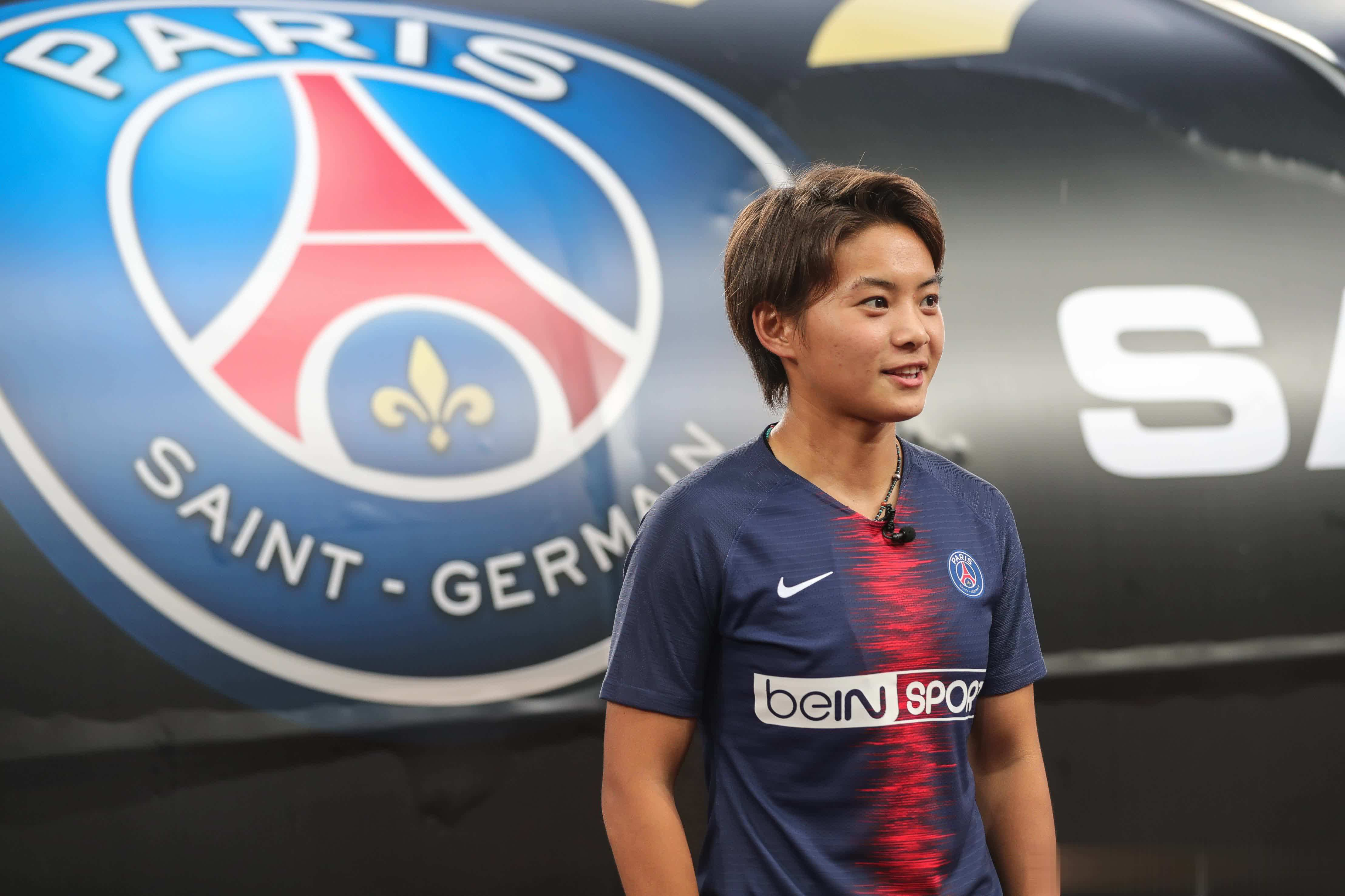 沪媒:因语言障碍,王霜曾经多次被大巴黎俱乐部罚款