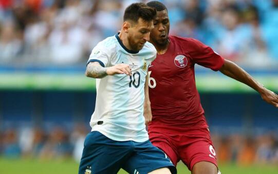 卡塔尔主帅:和梅西踢球很值得,能给卡塔尔积累丰富经验