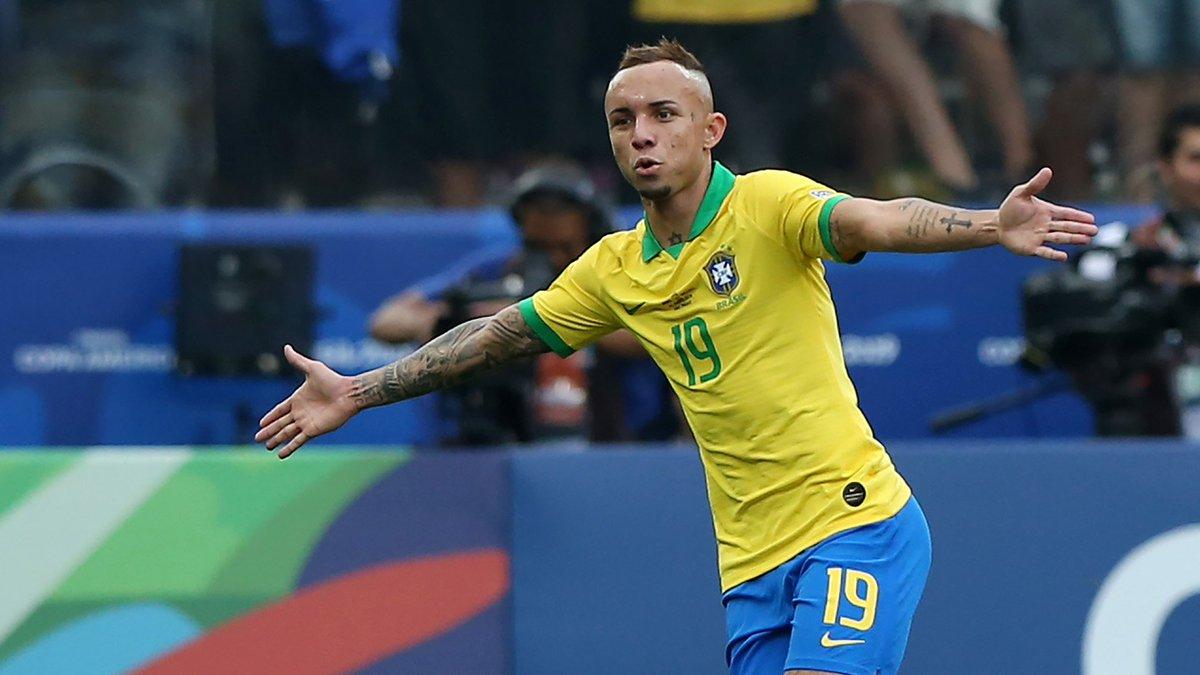 德媒:搞不定奥多伊和萨内,拜仁联络巴西前锋埃韦顿