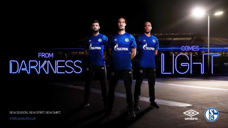 官方:沙尔克04正式发布新赛季主场球衣