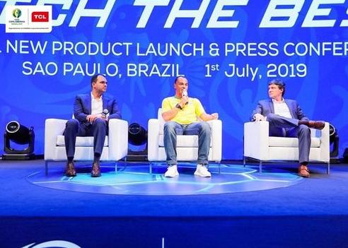 五星巴西传奇卡福出席TCL全球新品发布会