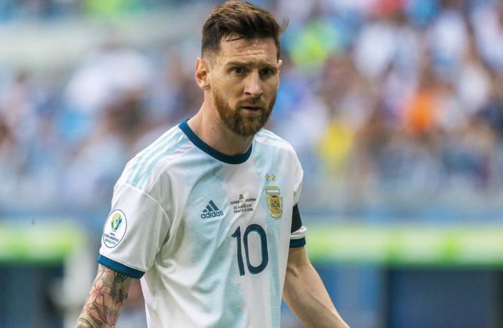 梅西美洲杯表现:20次过人赛事最多,16脚射门球队最多