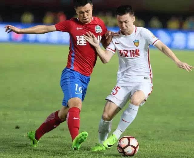 津媒:与主教练执教风格不符,糜昊伦裴帅被下放预备队
