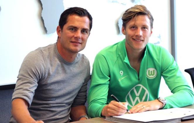官方:沃尔夫斯堡与当家射手维格霍斯特续约至2023年