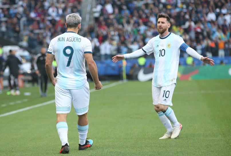 梅西国家队助攻数已达40次,其中8次是助攻阿圭罗