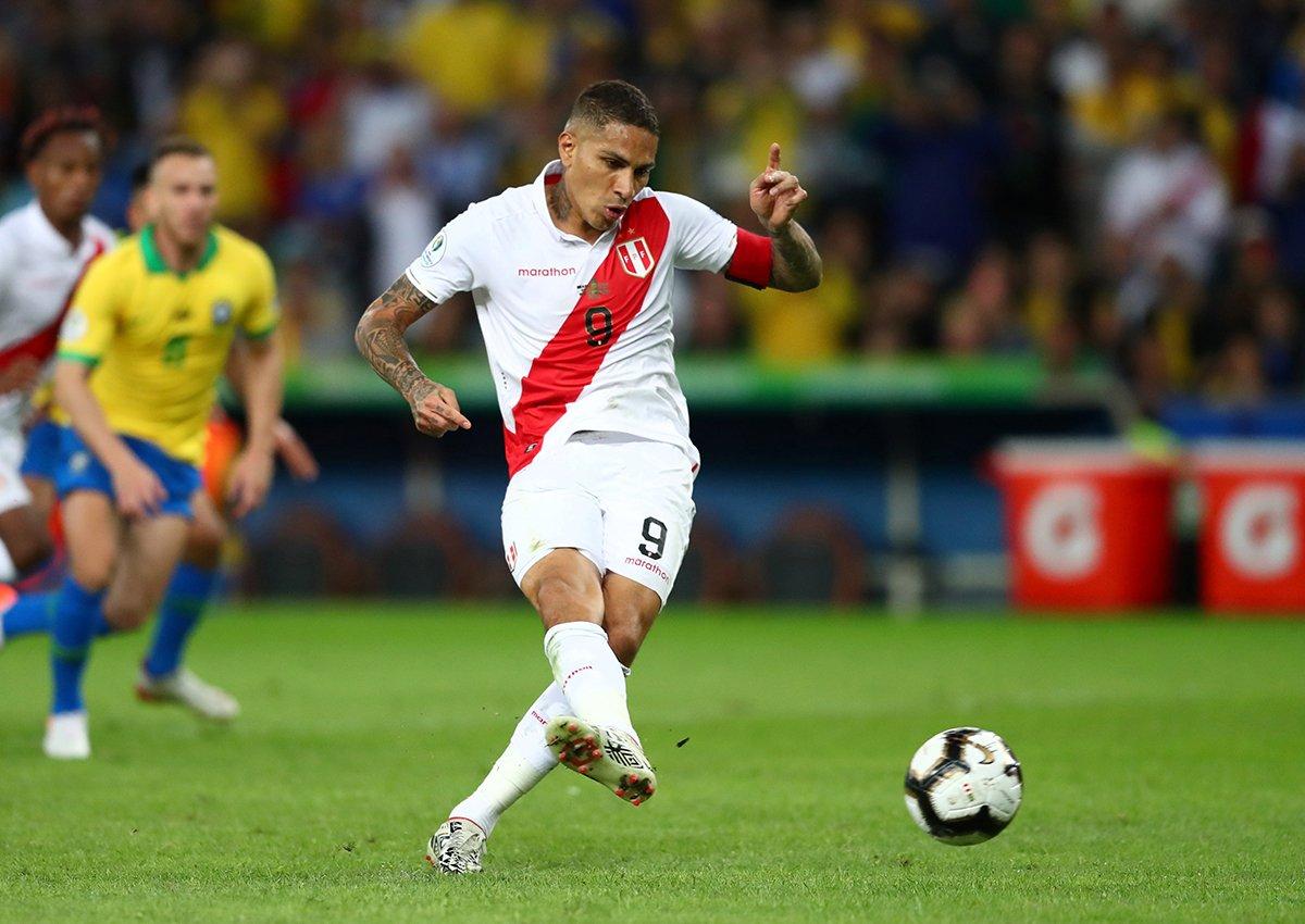 GIF:秘鲁获得点球,格雷罗主罚命中扳平比分