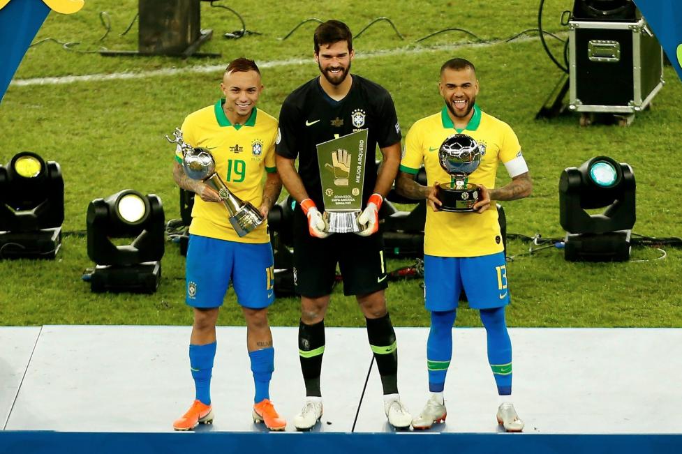 阿根廷上次夺冠后,巴西已赢得11座大赛奖杯