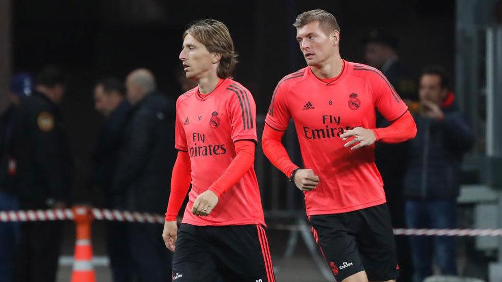 季前训练前,皇马仅莫德里奇和克罗斯两名一线队中场球员