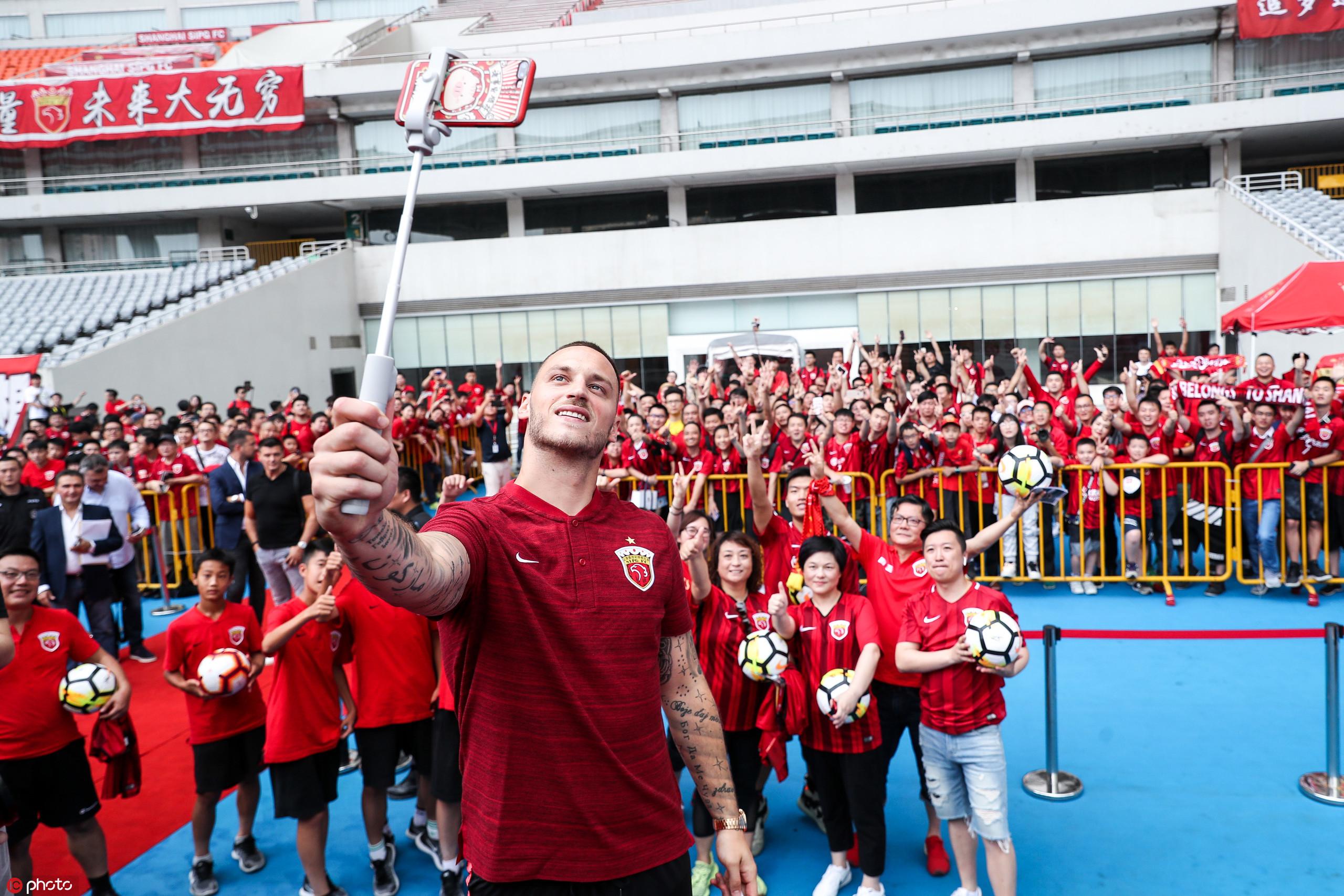 阿瑙托维奇:我知道7号球衣的含义,武磊是位伟大的球员