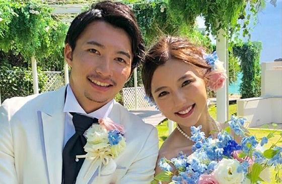 郎才女貌!日本中场柴崎岳与女艺人真野惠里菜完婚