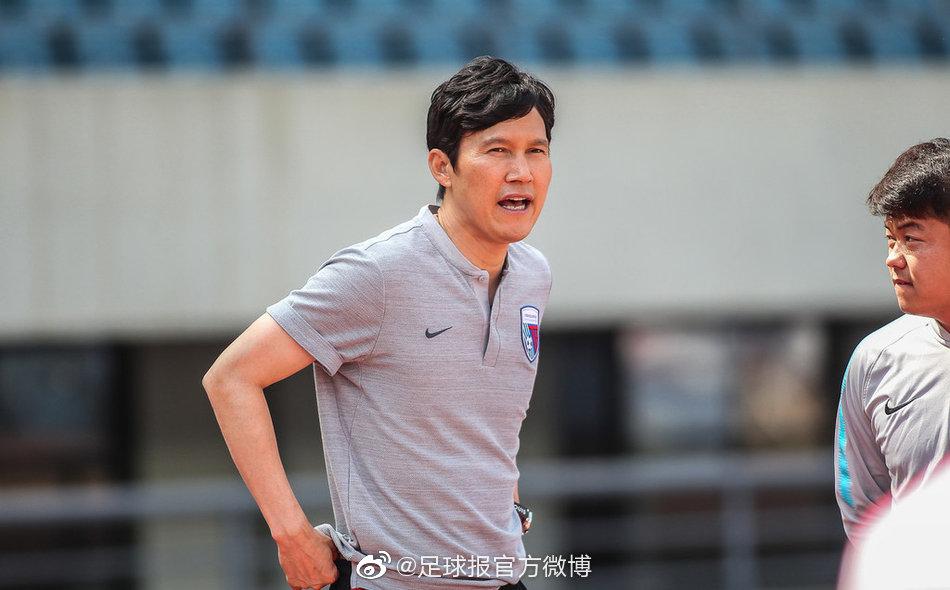 足球报:天海副总李玮锋否认换帅,俱乐部对朴忠均有信心