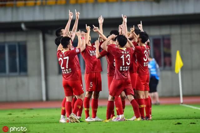 亚泰用成功安慰刘玉明,球员微博:您说了下一年回中超