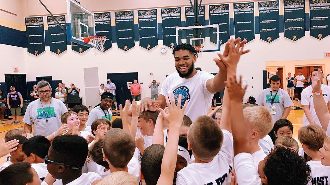 回馈社区!唐斯在明尼苏达举办篮球训练营