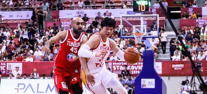 王哲林谈东京奥运倒计时一周年:和我一起为男篮加油