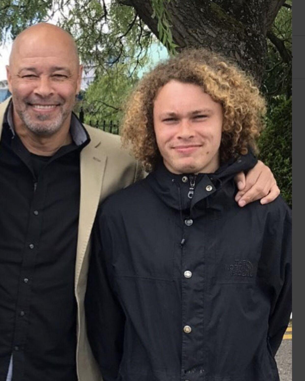 儿子失落,前曼联球员麦格里斯在推特发布寻人启事