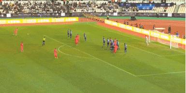 GIF:科雷尔弹地进球,巴黎1-0领先