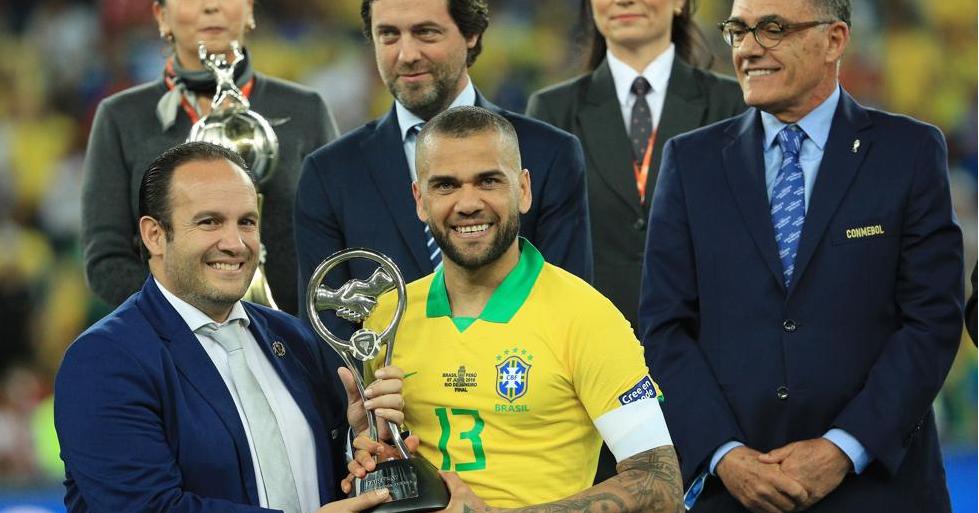 世体:为了博得世界杯,阿尔维斯想加盟高程度球队