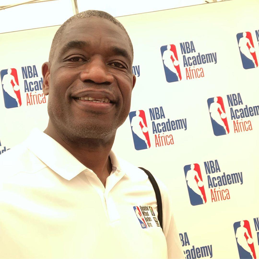 穆托姆博晒自己参加NBA非洲篮球无国界活动的照片