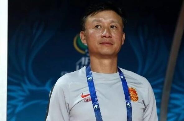 成耀东:频繁换帅让国青不稳定,盼球队在亚洲有竞争力